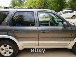 Driver Front Door Electric Without Keyless Entry Pad Fits 05-07 ESCAPE 470043
