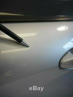 11-17 Ford Fiesta Avant Gauche, Le Conducteur Porte Électrique Oem Assemblée Witho Entrée Sans Clé