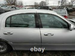 Porte D'entrée Du Conducteur Avec Tampon D'entrée Sans Clé S'adapte 99-02 Lincoln & Town Car 341960